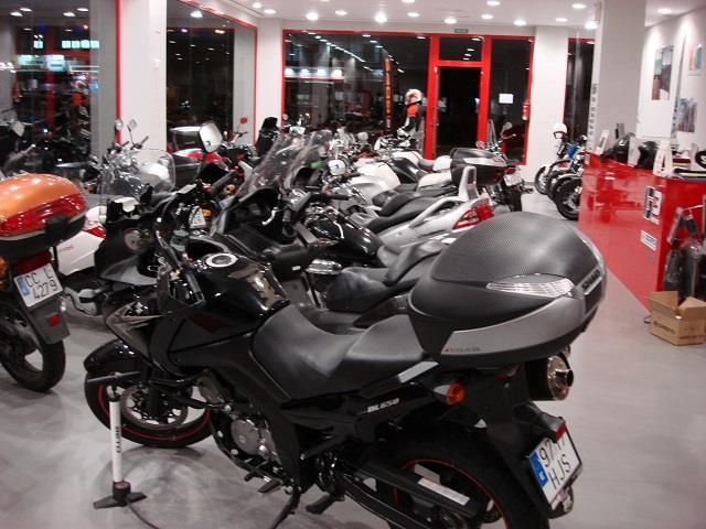 G3 MOTOS, CONCESIONARIO DE MOTOS EN BADAJOZ, VENTA DE MOTOS EN BADAJOZ, ACCESORIOS DE MOTOS EN BADAJOZ