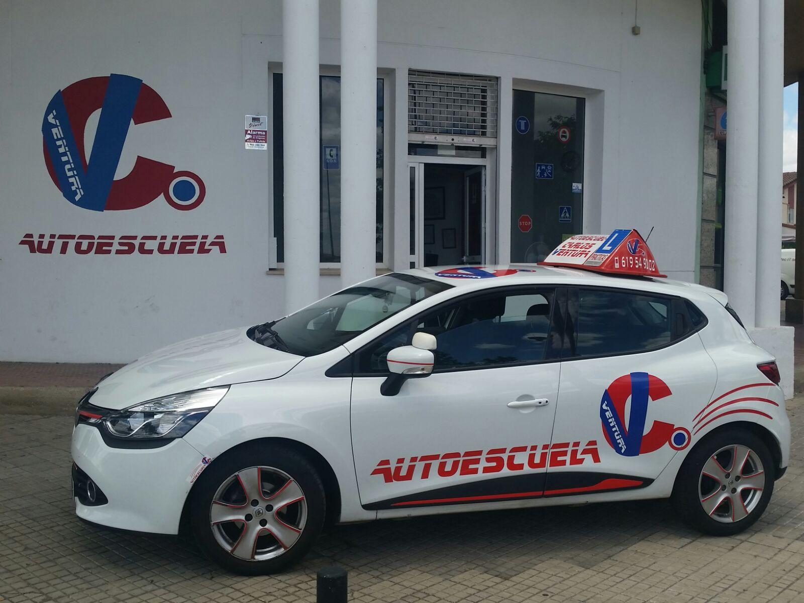 AUTOESCUELA CARLOS VENTURA, autoescuela economica en Cáceres