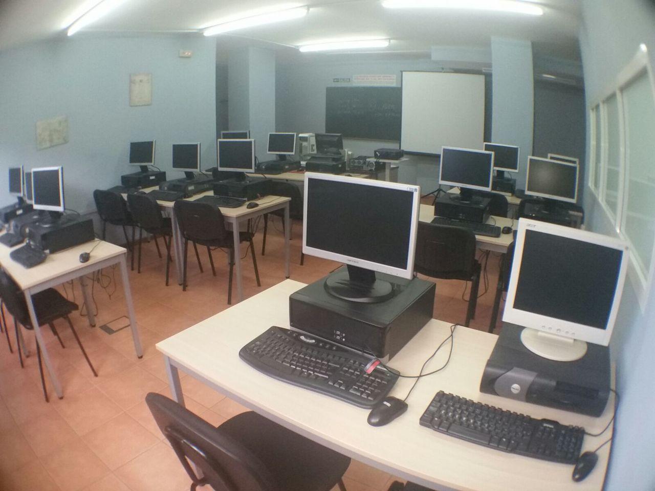 Academia mc centro de formaci n en caceres oposiciones for On centro de formacion