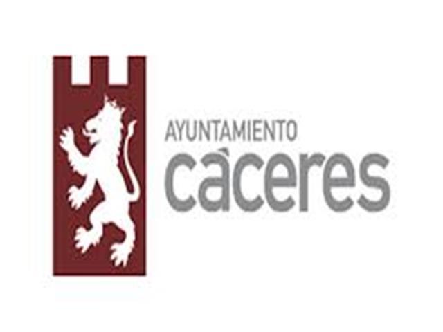 """MASIVA AFLUENCIA DE PUBLICO A LA JORNADA """"CACERES PATRIMONIO ABIERTO"""""""