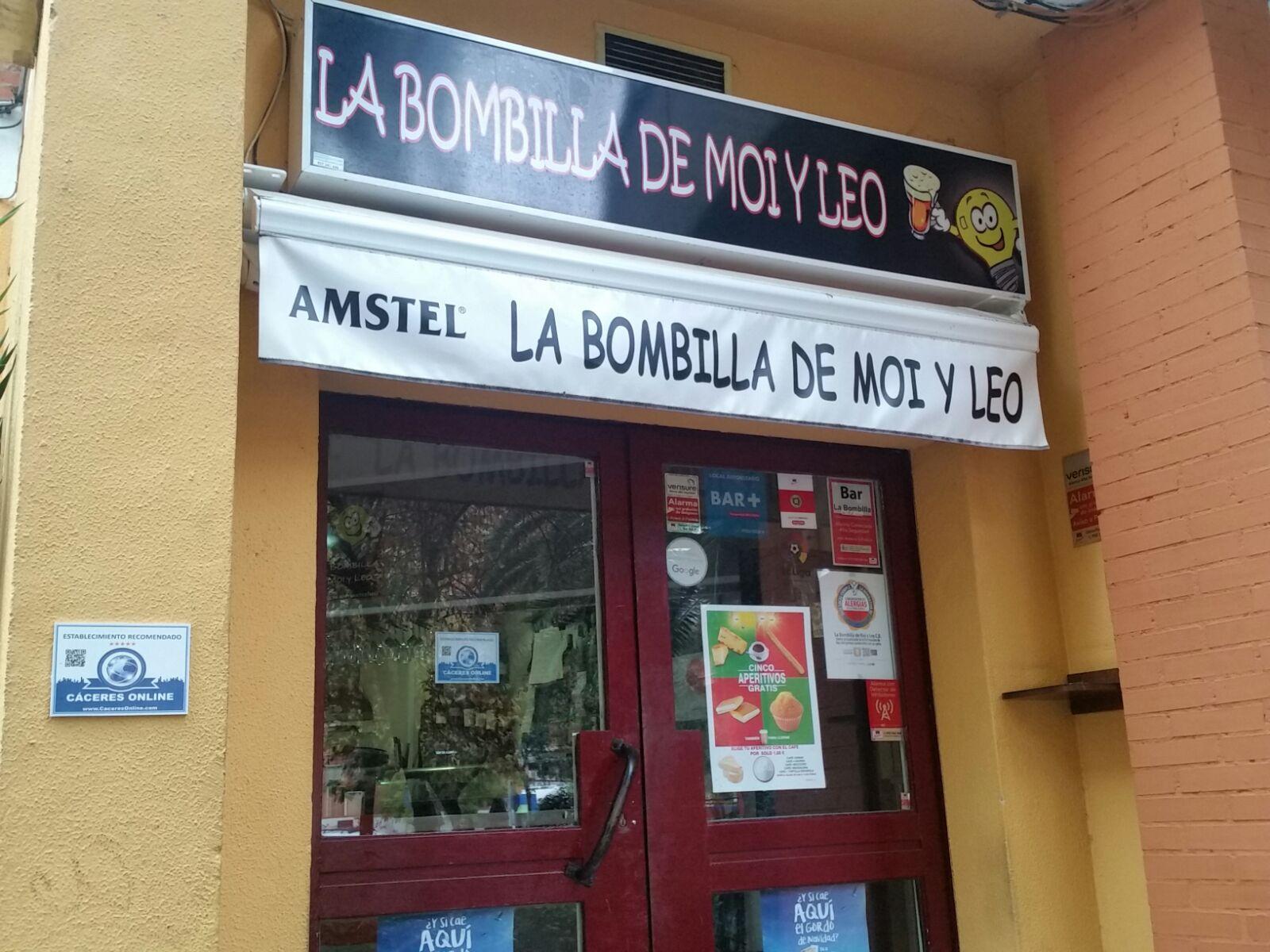LA BOMBILLA DE MOI Y LEO