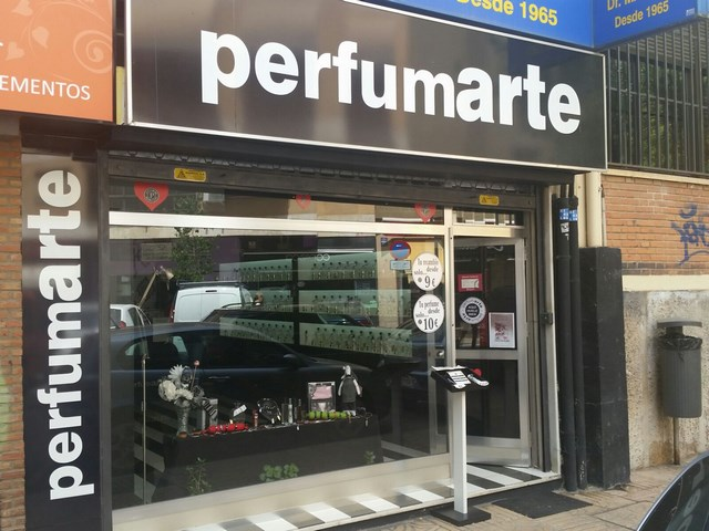 Perfumes Baratos en Cáceres , perfumes en Càceres , perfumería en Càceres ,