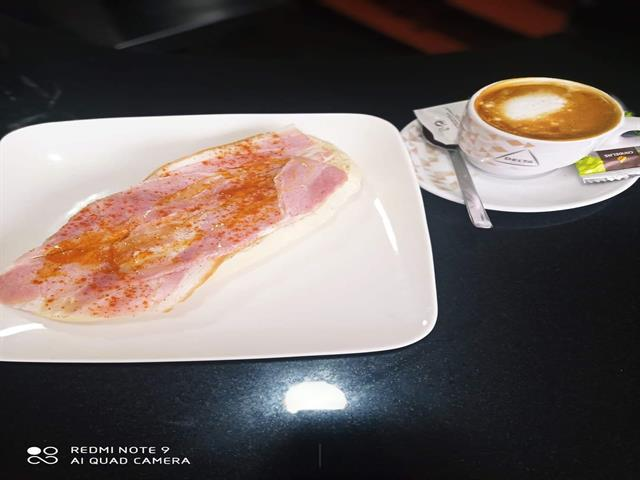 Desayuno Lacón o Parisina