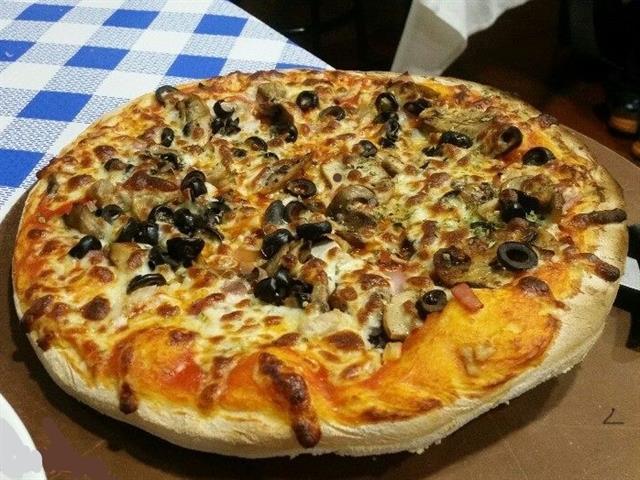 RESTAURANTE PIZZERIA BARTOLO, PIZZA EN CACERES, OFERTAS PIZZAS EN CACERES, PIZZERIAS EN CACERES, PANINIS EN CACERES, RACIONES EN CACERES,