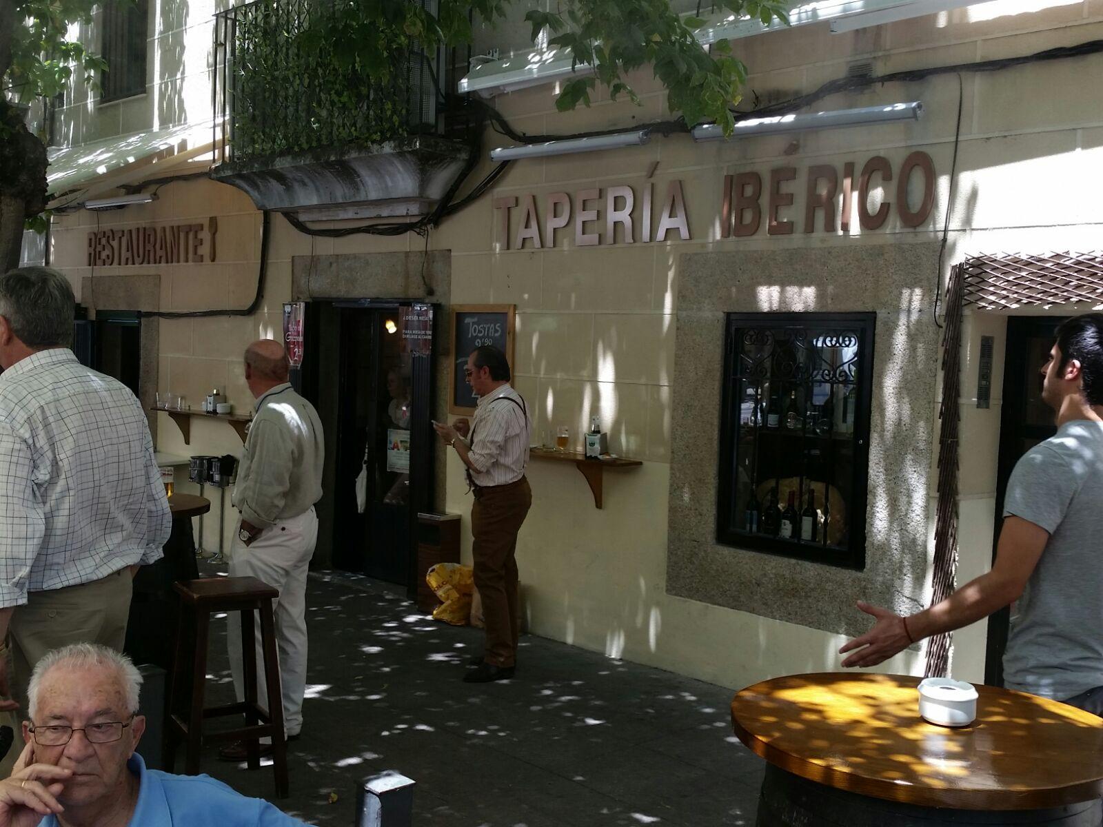 TAPERIA IBÉRICO, TAPERÍA ECONÓMICA EN CÁCERES, RESTAURANTE BARATO EN CÁCERES