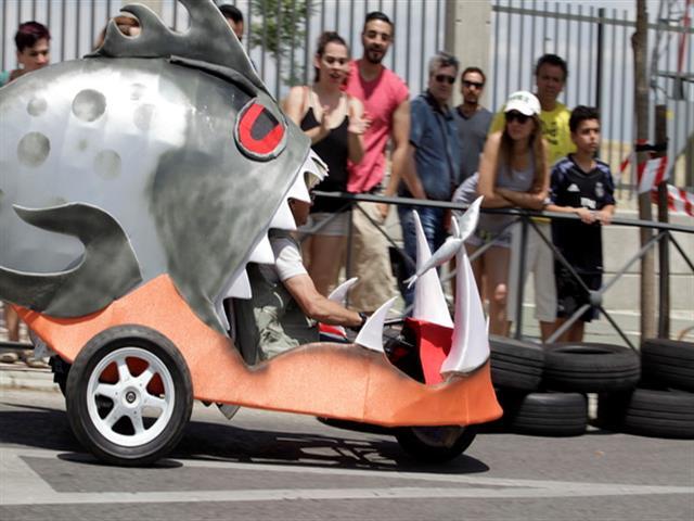 Los autos locos repiten por tercer año en las fiestas de Getafe