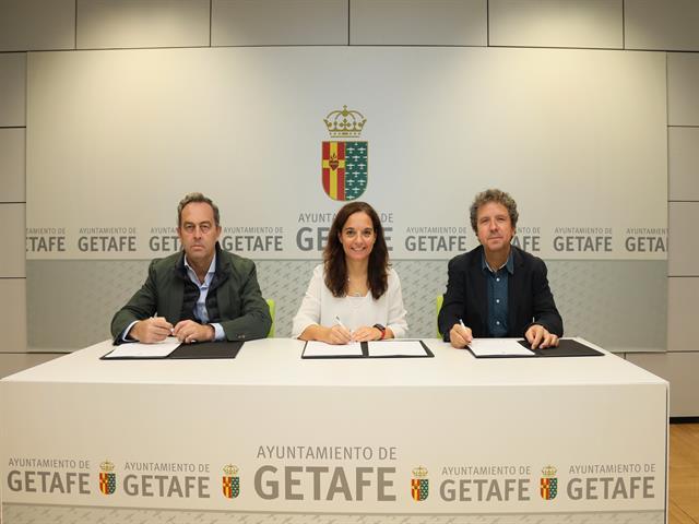 Convenio para desarrollar las Escuelas de Tenis Adaptado en Getafe