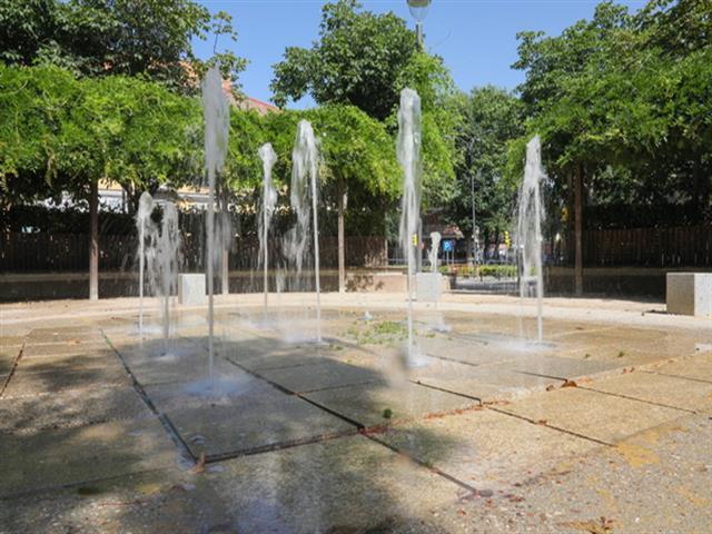 El Ayuntamiento de Getafe ha aumentado el horario de las cuatro fuentes lúdicas de chorros para que jueguen los niños y niñas