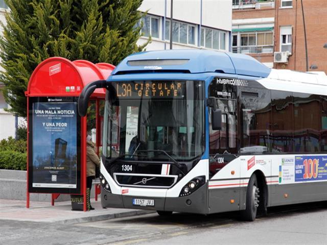 El barrio de El Bercial contará desde mañana con dos nuevas paradas de las líneas l3 y 446 de autobús