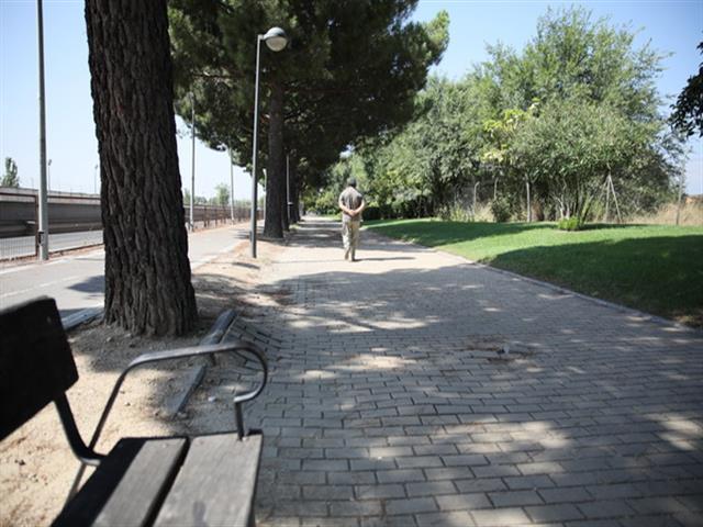 El Ayuntamiento de Getafe comienza la renovación del paseo de la avenida de John Lennon