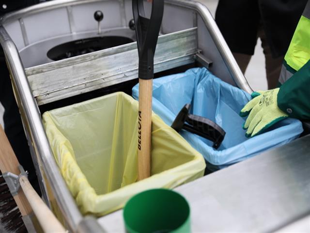 Getafe es el primer municipio con un innovador carro de recogida de residuos en la calle con separación de envases, papel y cartón