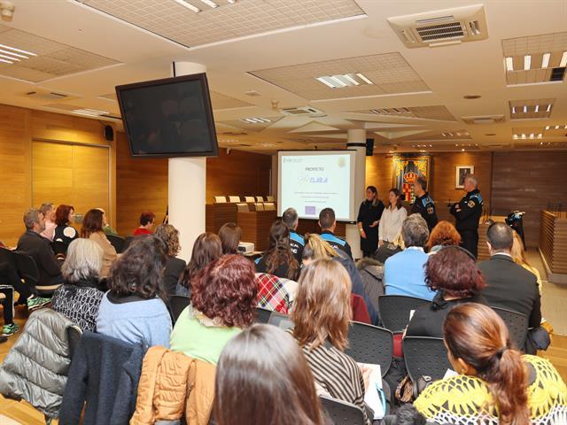 La Policía Local de Getafe presenta a los colectivos vulnerables, el proyecto 'Clara' con el racismo, la xenofobia y delitos de odio