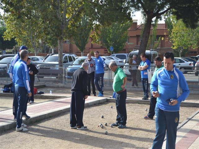 Las pistas del Sector III acogieron el VI Campeonato de Petanca Nacional 'Villa de Getafe'