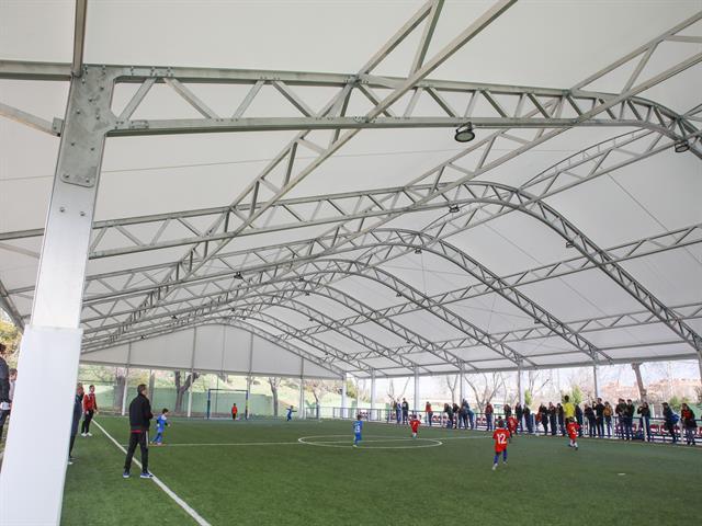 Arranca la liga de debutantes en el nuevo campo del Polideportivo Giner de los Ríos