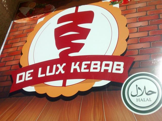DE LUX KEBAB