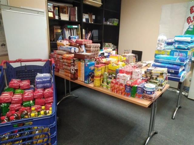 Más de 600 kilos de alimentos donados para familias con pocos recursos por la crisis de la COVID-19