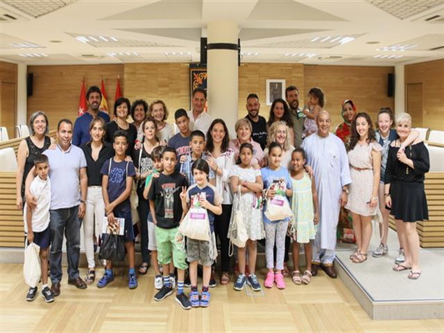 Getafe dio la bienvenida a los niños y niñas saharauis que pasarán el verano con familias de acogida
