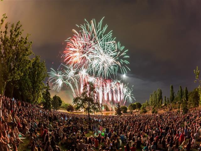Continúan las fiestas de Getafe con el espectáculo piromusical, el desfile de carrozas, conciertos y la quema de la chamá