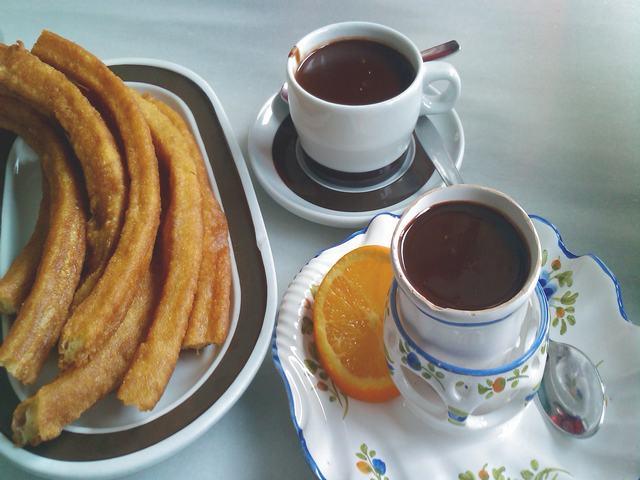 1/2 Litro chocolate + 7 porras o 10 churros por 4,99 €
