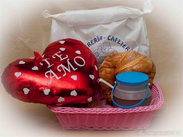 Regala un desayuno a domicilio desde sólo 10€