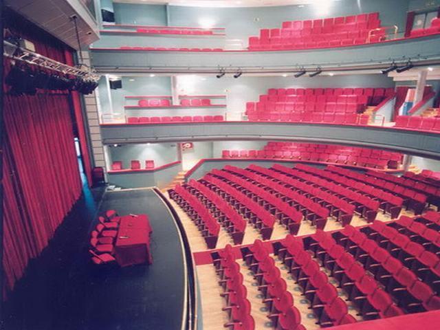 El teatro Federico García Lorca acoge los conciertos de Rodrigo Mercado y Elena Salguero