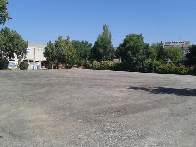 El Ayuntamiento rehabilita la superficie de 4.300 metros cuadrados ubicada junto al Polideportivo Manuel Cadenas