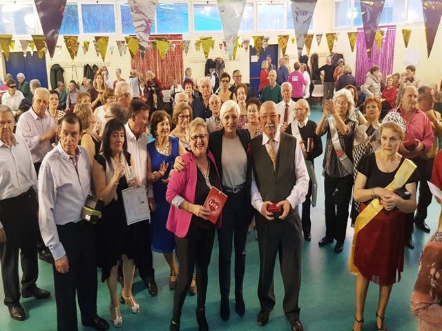 Los mayores de Leganés mostraron su vitalidad y ganas de seguir aprendiendo en el I Concurso de Baile de San Valentín
