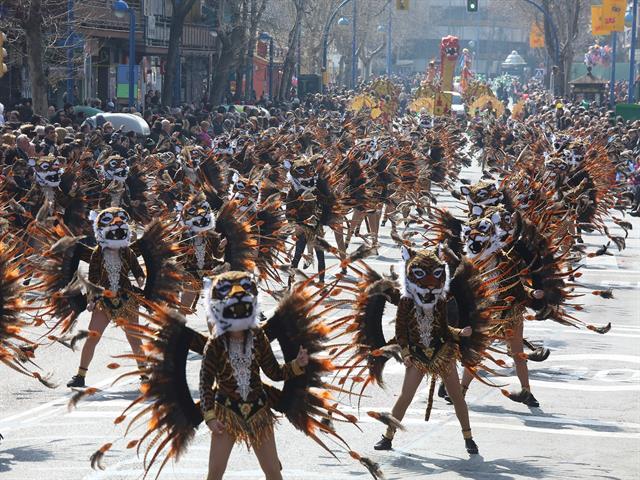 Más de 55.000 personas disfrutaron en las calles de los desfiles de Carnaval de Leganés y La Fortuna