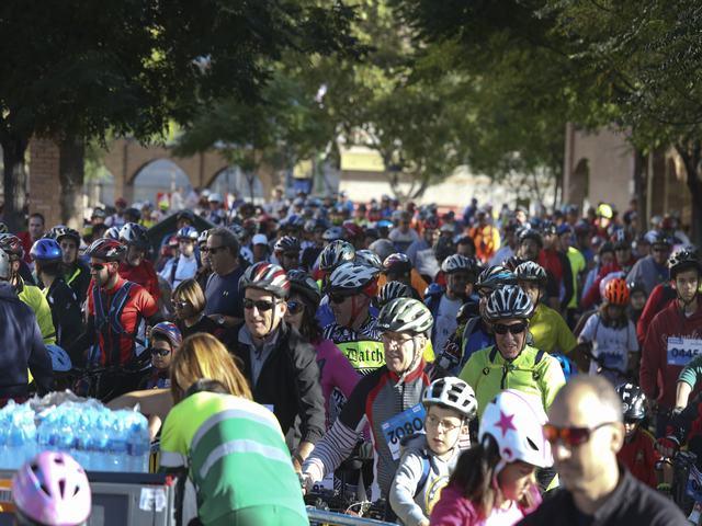 Más de 2.000 leganenses participaron en la Fiesta de la Bicicleta