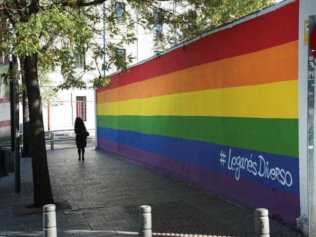 Alcalde y concejala de Igualdad recuerdan en la inauguración de la exposición 'LGTBIfobia y derechos humanos' el compromiso del Ayuntamiento con el colectivo
