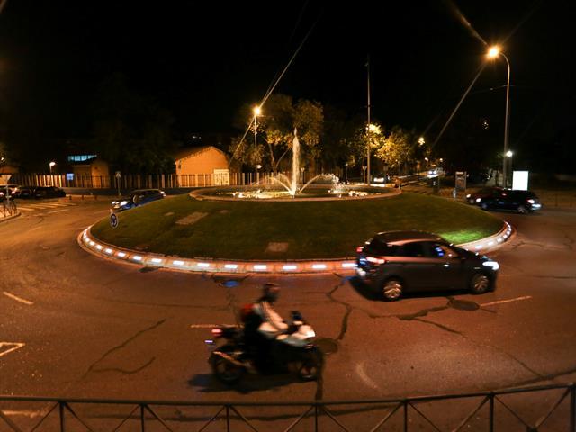 El Ayuntamiento pone en marcha un proyecto con iluminación LED en rotondas que permitirá mejorar la seguridad vial en la ciudad