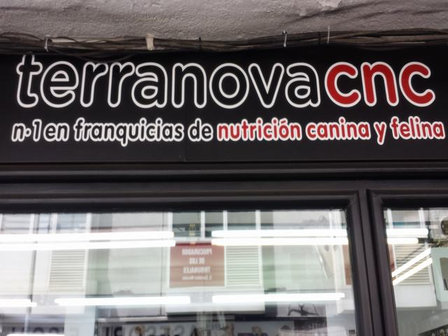NUTRICION CANINA Y FELINA, COMIDA PARA PERROS Y GATOS,