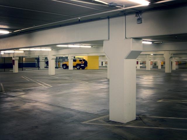 Gracias al Plan 1.000 Plazas de Garaje en Alquiler Low Cost, se podrán alquilar plazas en los aparcamientos subterráneos de Juncal, Parque Cataluña, Barrio Verde y Torrepista por 20 y 30 euros al mes