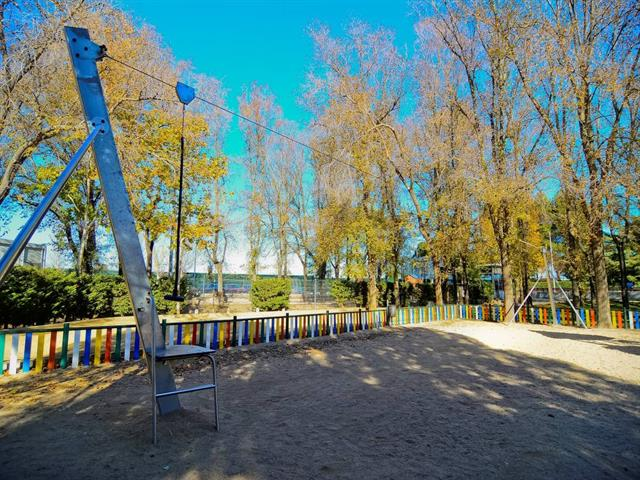 El Parque Veredillas cuenta con una nueva Tirolina, instalada a petición vecinal