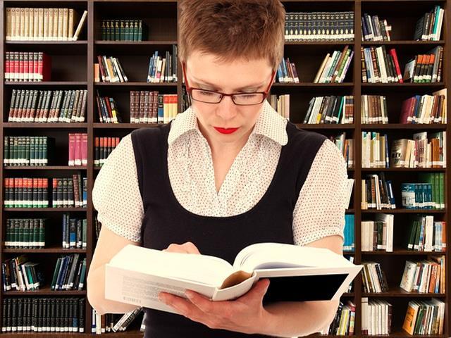 Hasta el próximo 8 de febrero, la Biblioteca Central amplía su horario abriendo ininterrumpidamente de lunes a domingo de 8:30 de la mañana hasta las 2 de la madrugada para facilitar a los estudiantes la preparación de sus exámenes