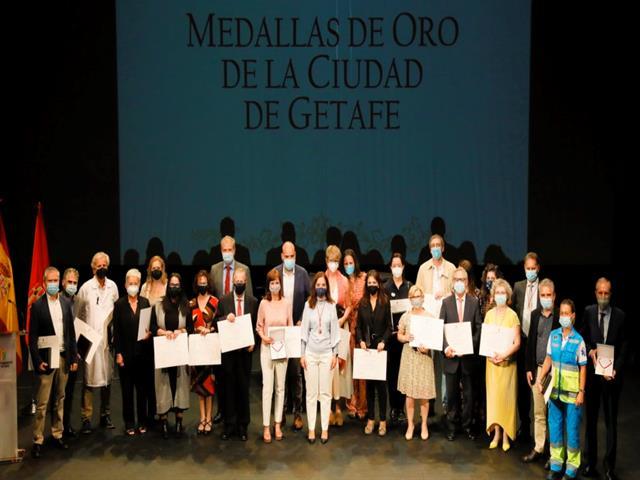 Getafe realiza un emotivo homenaje al personal sanitario por la pandemia